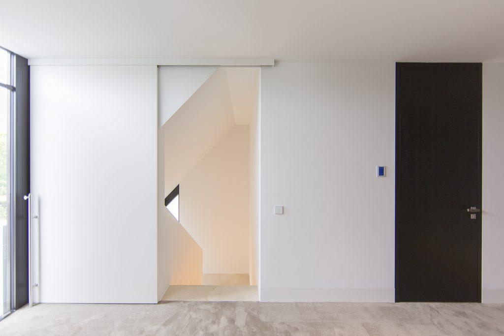 Incredulous doors roelfien vos doors orange detail keuken doors